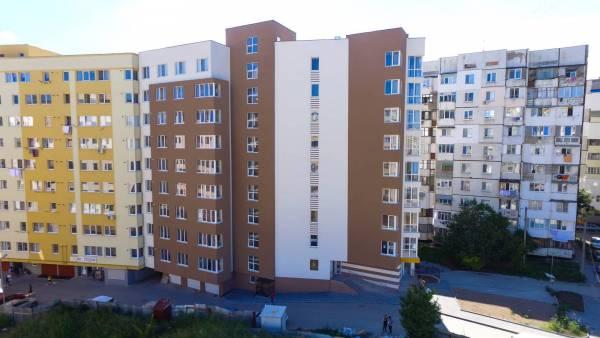 Apartament cu două camere, cărămidă roșie, Mircea cel Bătrân